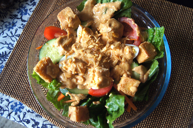 Indonesian Salad With Peanut Dressing