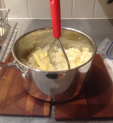 Mashed potatoes, Saucepan
