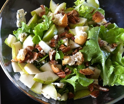 Summer salad, chicken blue cheese salad, healthy lunch