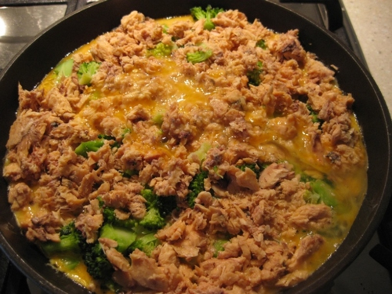 adding,cheese,to,frittata