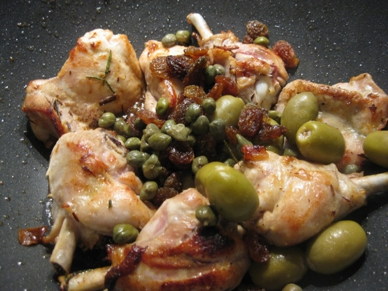 capers,olives,sultanas