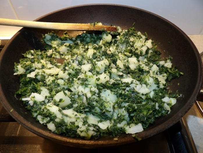 adding,potato,flesh,to,spinach