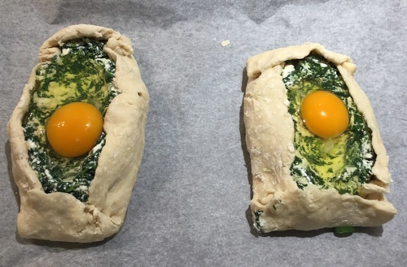 adding,raw,egg,to,middle,of,pie