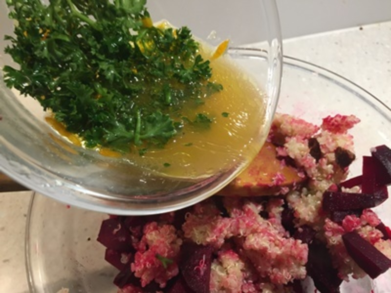 preparing,beetroot,for,roasting