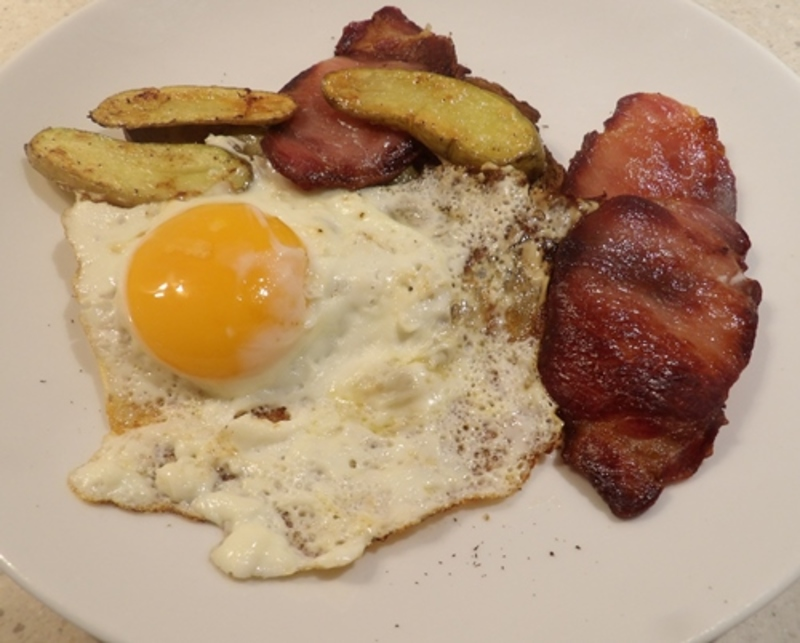 bacon,and,eggs,with,chips  - Bacon and Eggs on Toast with Fried Potatoes
