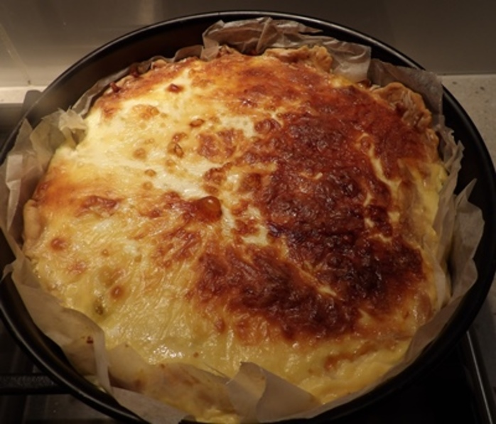 cooking,filling,for,apple,curry,cheese,tart