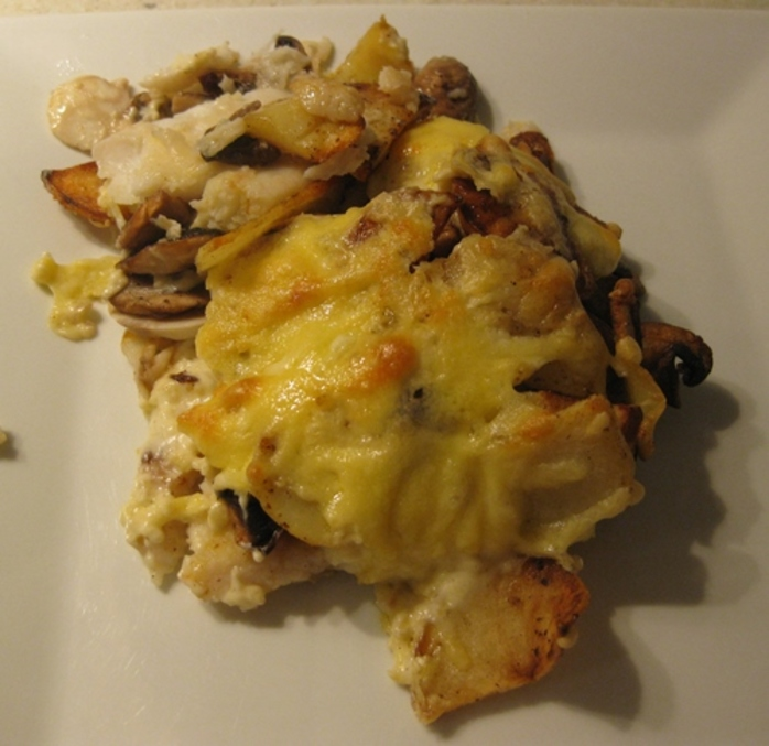 baked,fish,with,potatoes,mushrooms,in,cream,sauce