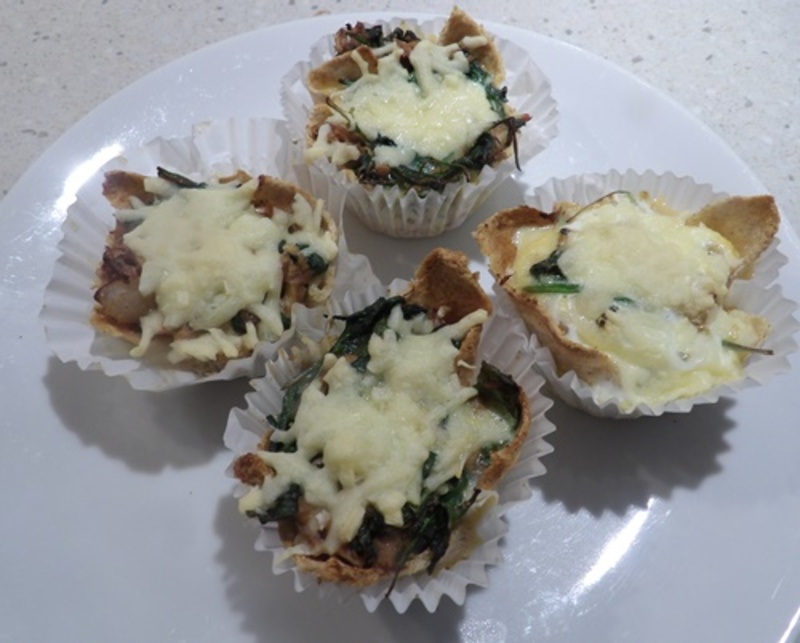 baked,bread,cases  - Tuna and Spinach Bread Tarts