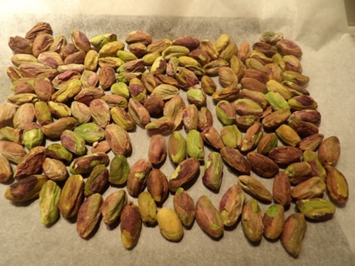 baking,pistachio,nuts,for,orange,slice