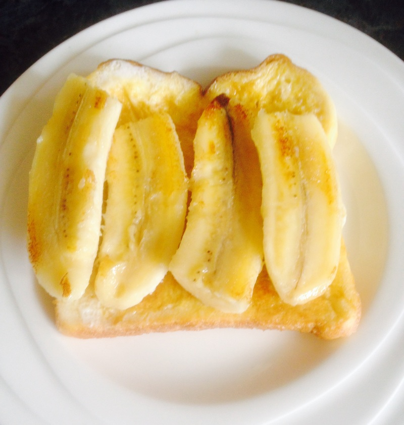 Banana on french toast   - French Toast with Banana and Sweet Scrambled Eggs