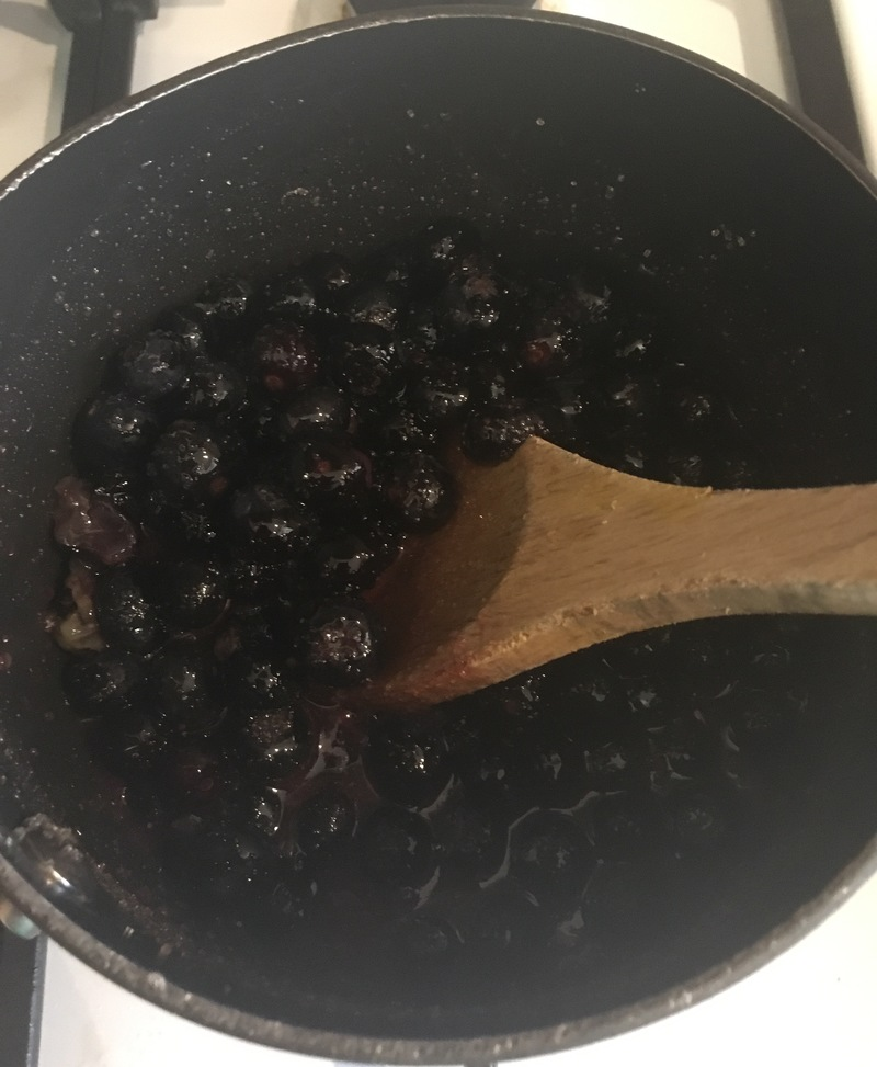 Blueberries in the saucepan