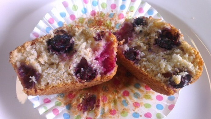 Blueberry Muffins, easy blueberry muffins, simple muffins, blueberry recipe