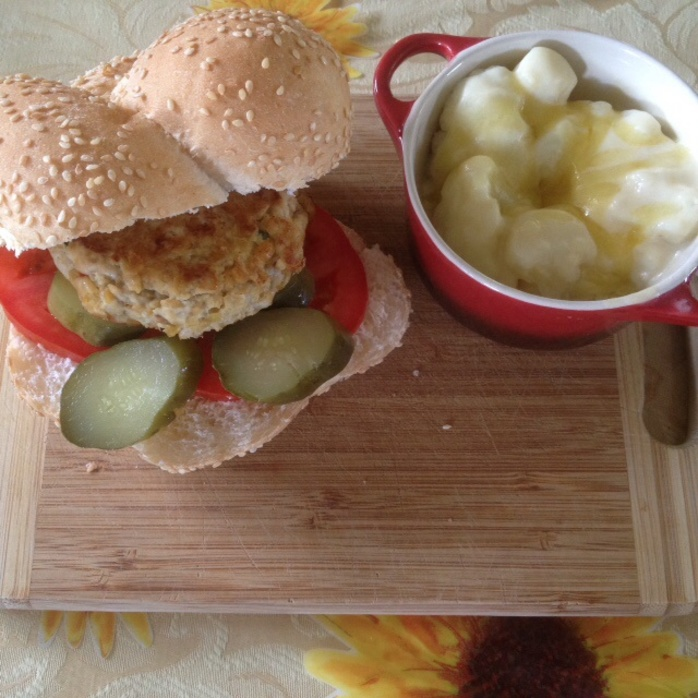 Burger served with cauliflower gratin