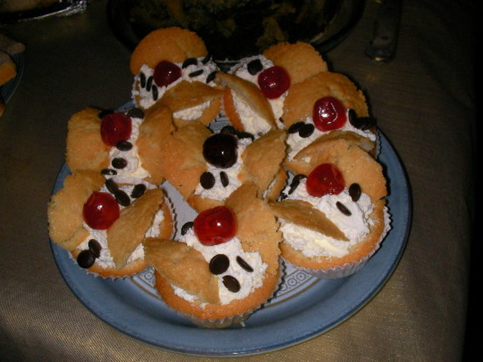 butterfly cakes, cup cakes, place cherries, chocolate chips, fairy cakes