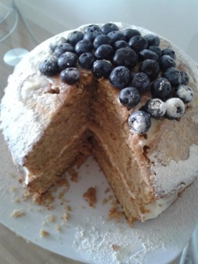 Blueberry and Nutmeg Cake Recipe - RecipeYum