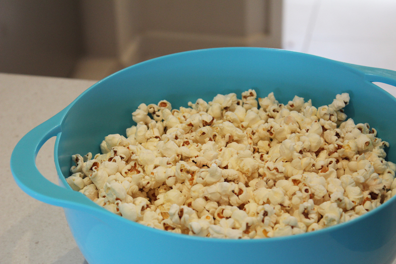 caramel popcorn, party favours, circus party, popcorn, toffee popcorn, at the movies  - Crunchy Caramel Popcorn