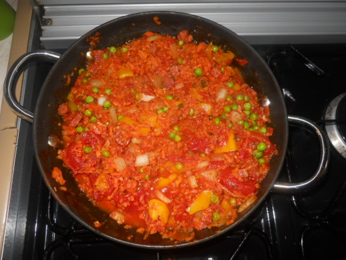 carrot paella, frying pan