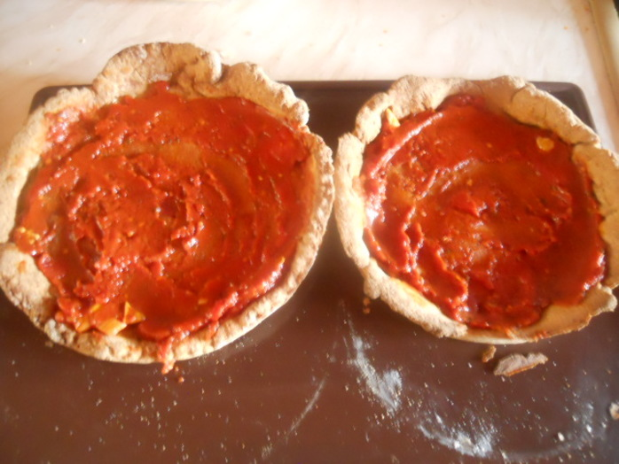 cauliflower pizza, pizza base, pizza sauce, tomato sauce