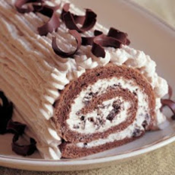 Chocolate & Chestnut Meringue Roulade Recipe
