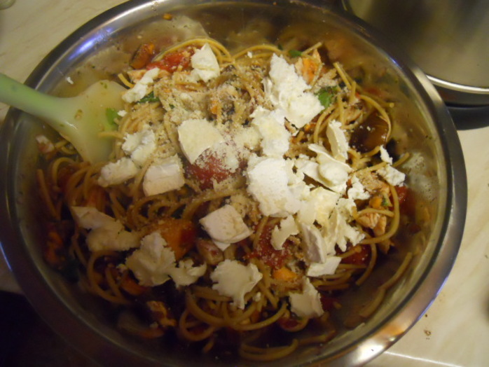 chicken, goat's cheese, wholemeal spaghetti