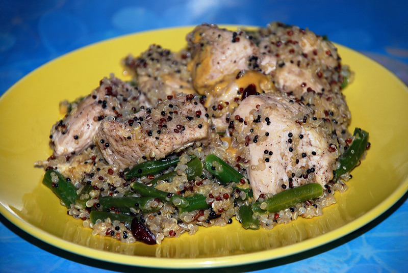 Chicken Quinoa and Green Beans  - Chicken with Quinoa and Green Beans