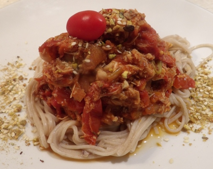 chicken,ragout,with,home,made,tomato,paste,on,soba,noodles