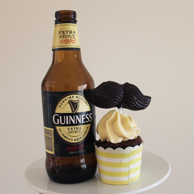 choc guinness cupcakes, chocolate stout cupcakes, beer cupcakes, baking, cupcakes, cream cheese frosting, chocolate cakes, movember cupcakes, manly cupcakes