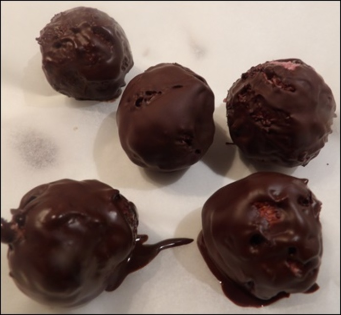 chocolate,covered,raspberry,balls