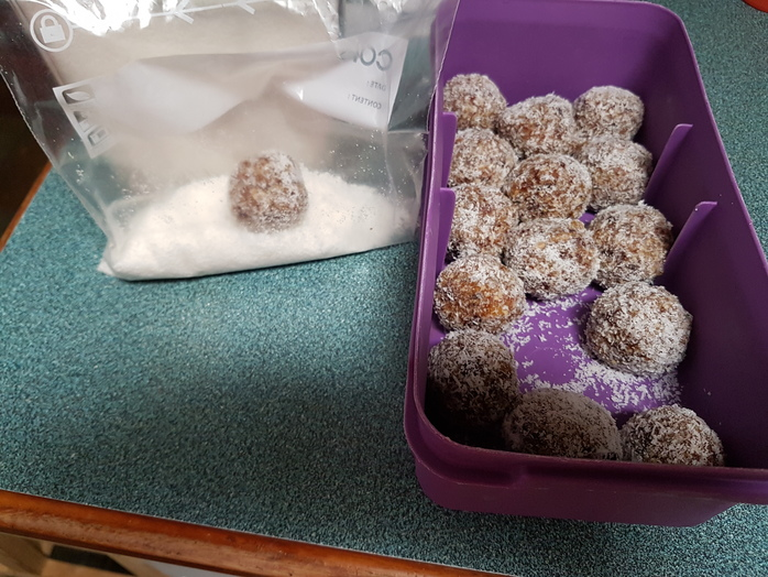 Coating the bliss balls