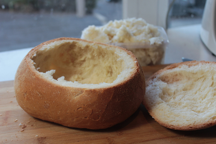 cob loaf, cheesy cob loaf, cheese and bacon cob loaf, cob loaf dip, 70s party food, dips, party foods