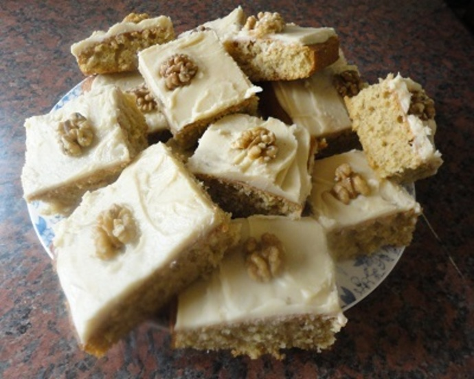 Coffee Walnut Traybake