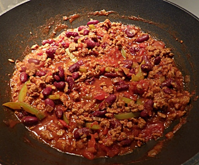 cooking,quorn,with,chillies