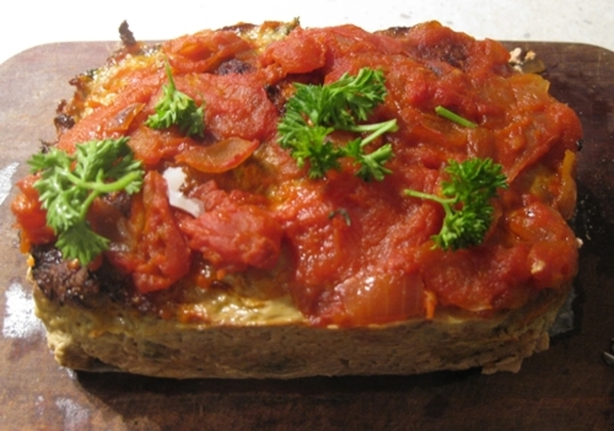 cooked,turkey,loaf,tomato,sauce