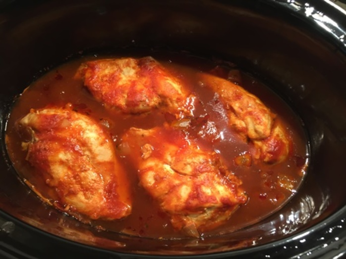 making,sauce,for,slow,cooked,chicken