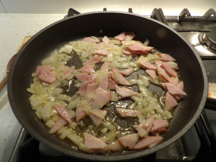 cooking,onions,garlic,and,bacon