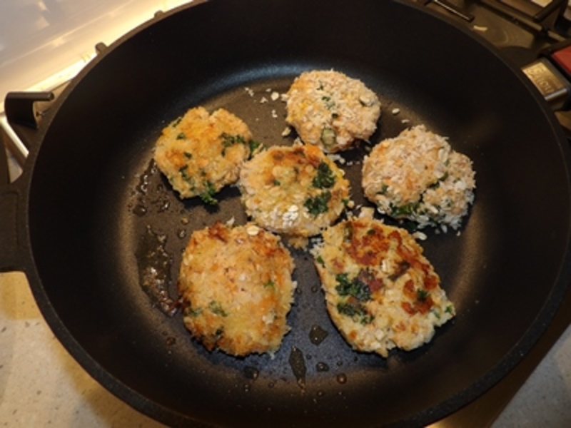 cooking,red,salmon,patties  - Curried Red Salmon Patties with Reibekuchen