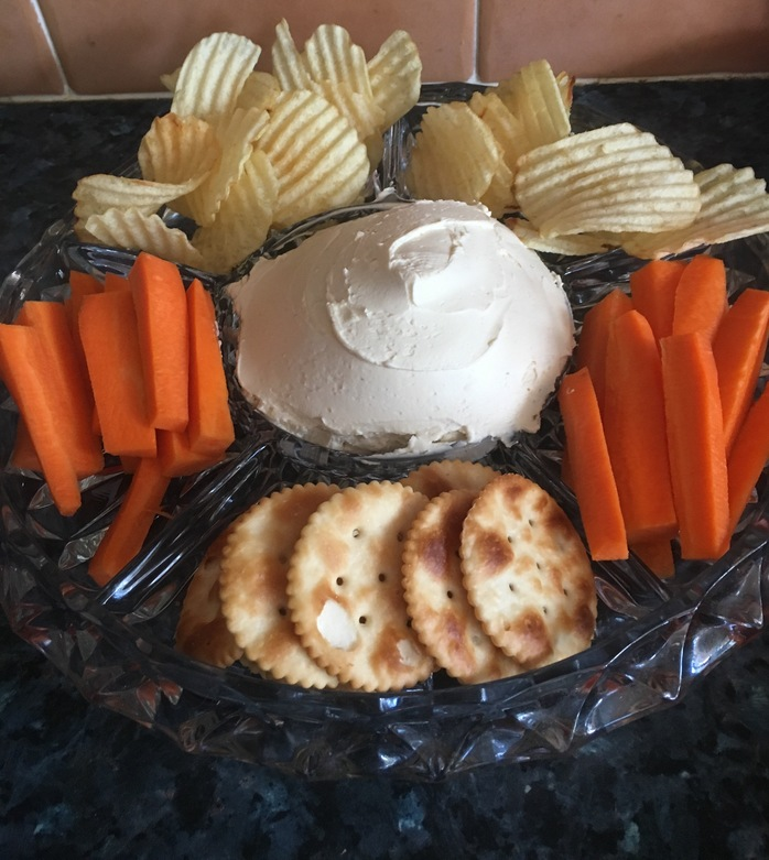 Dip platter dip chips, jatz and carrots