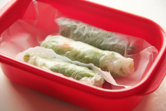Easy work lunch, healthy and vegetarian rice paper rolls