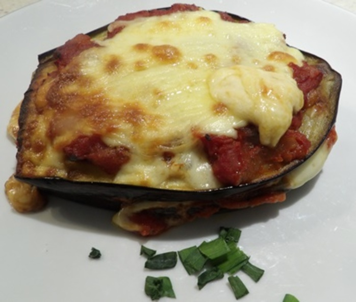 eggplant,with,mozzarella,Parmesan,and,tomato,sauce
