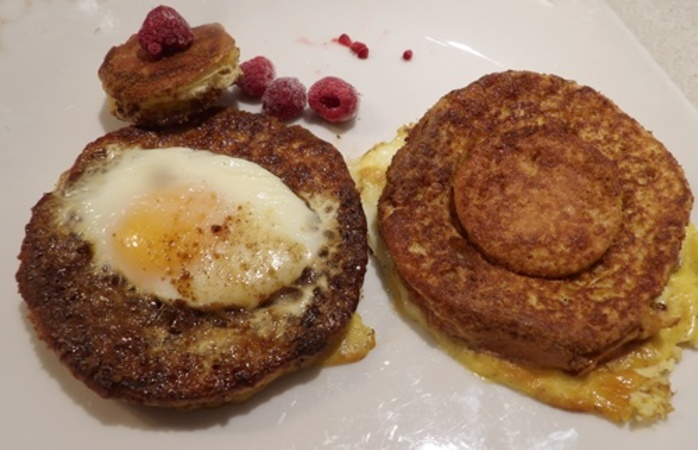 eggs,in,hole,French,toast