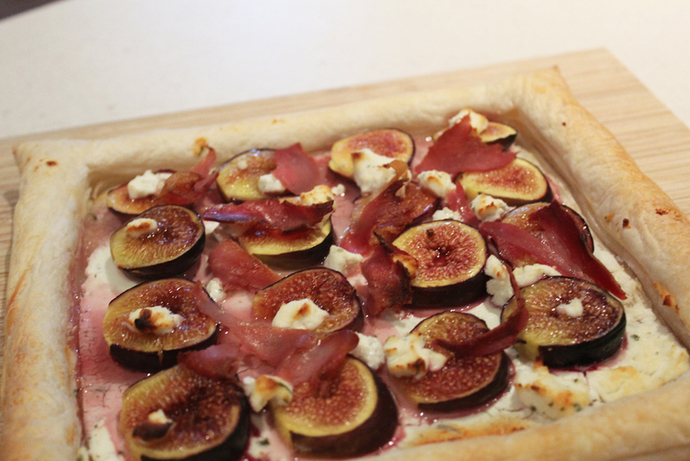 Fig, Goat Cheese, and Pancetta Tart Recipe - RecipeYum