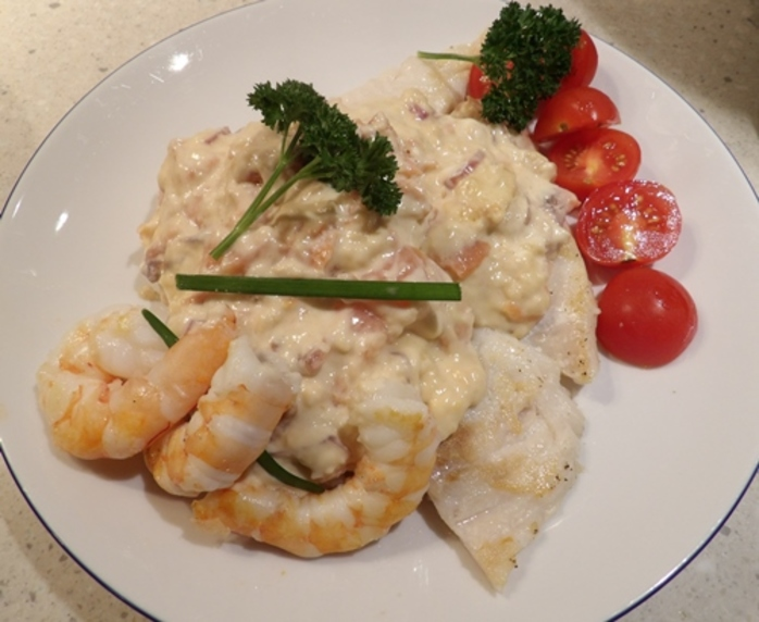 fish,and,prawns,with,smoked,salmon,and,cream,cheese,sauce