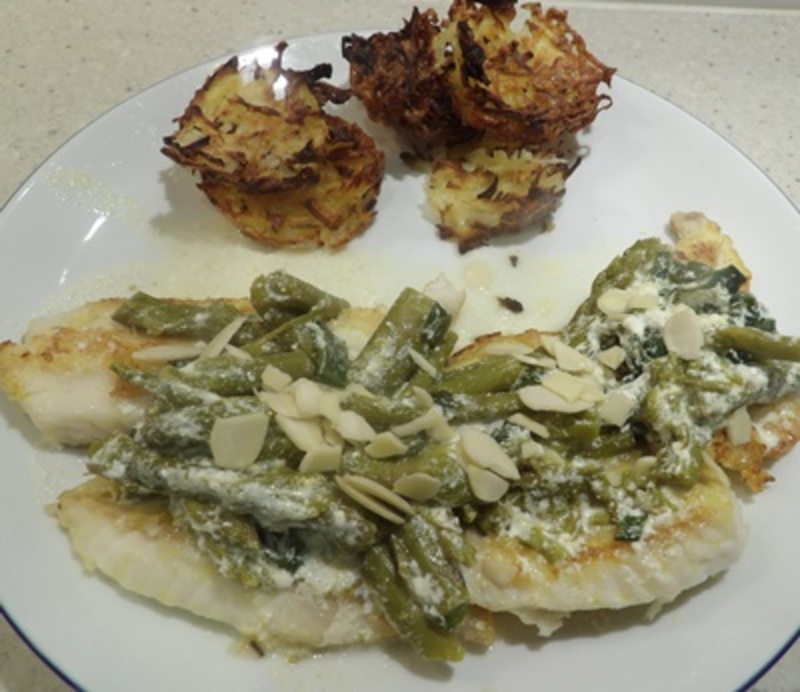 fish,with,asparagus,creamy,sauce,and,strawberry,salad