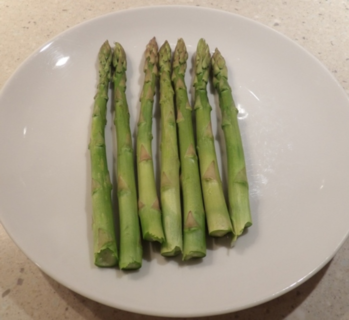 fresh,asparagus,cooked
