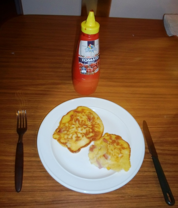 Fritters and sauce
