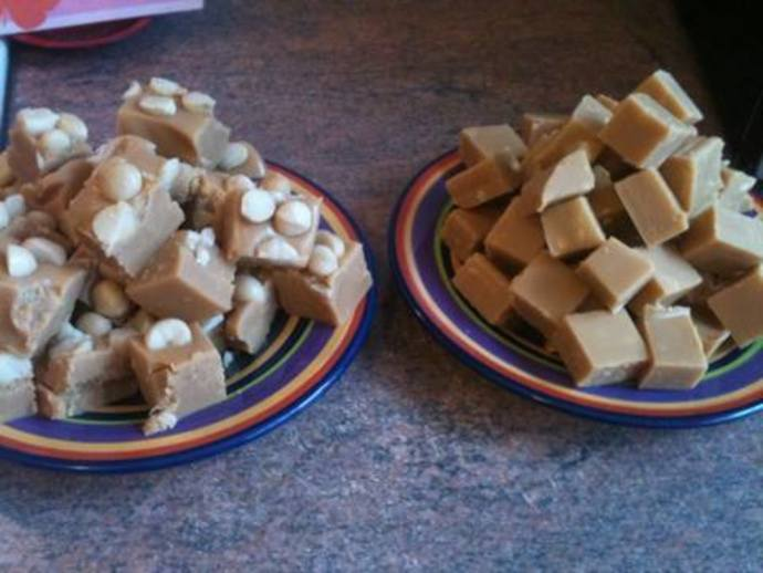 Fudge with and without macadamia nuts