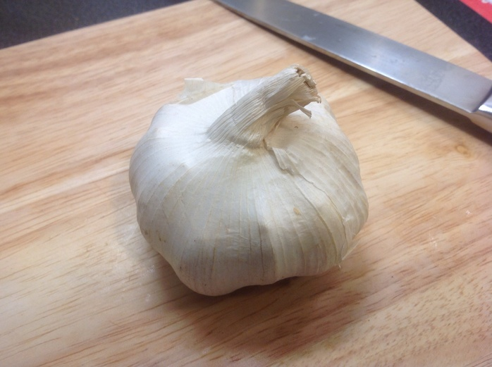 Onion, chopping board