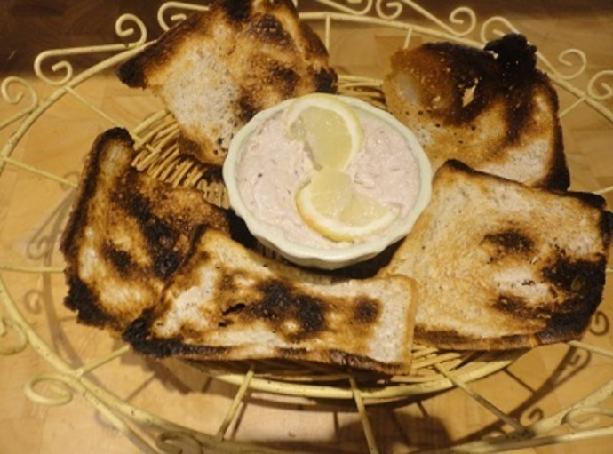 Garnish, Lemon Butterflies, Melba Toast