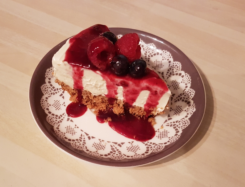 Ginger Nut Cheesecake with a Berry Sauce