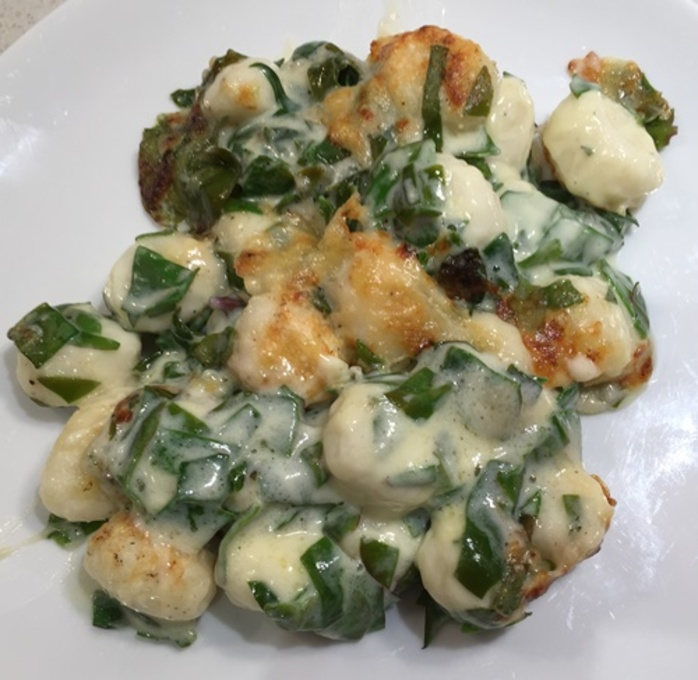 gnocchi,with,spinach,and,three,cheese,sauce